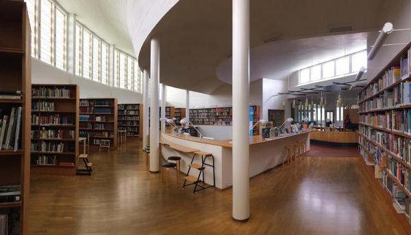 Spazi per l 39 esperienza topipittori for Arredi per biblioteche